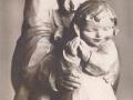Holzfiguren Mann mit Kind.png